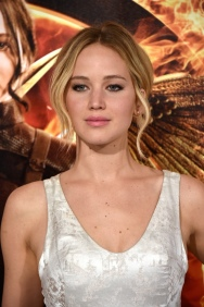 jennifer-lawrence-dior-couture-dress-mockingjay-premiere1